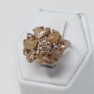 Jewelmint Blushing Bouquet Cocktail Ring Size 8